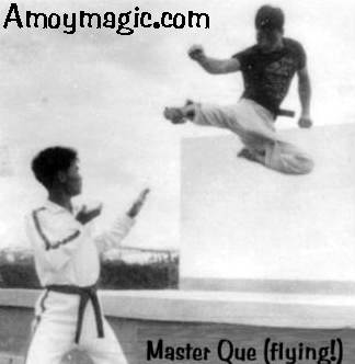 Karate Master Que Jiansheng flying high!