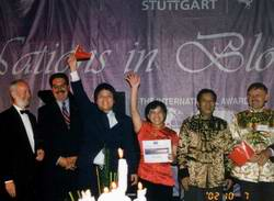 Xiamen wins the gold in Nations in Bloom 2002 Stuttgart Germany International Awards for Livable Communities IPFRA